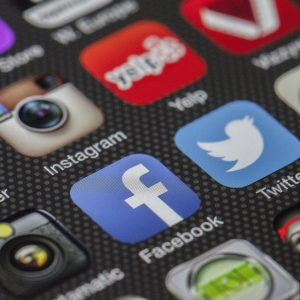WhatsApp, Instagram und Snapchat – Was geht uns Eltern das an?